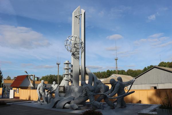 消防士の碑